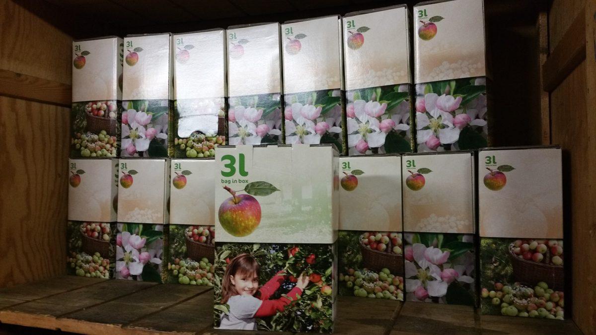 Vers van de pers! 100% biologische appelsap te koop bij het V.L.B.